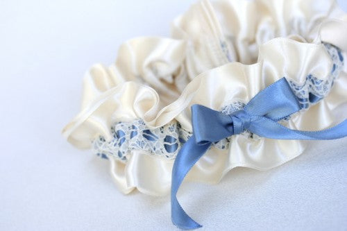 pretty-lace-wedding-garter-The-Garter-Girl2