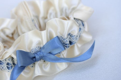 pretty-lace-wedding-garter-The-Garter-Girl3