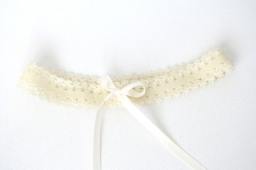 simple-ivory-lace-wedding-garter-The-Garter-Girl2