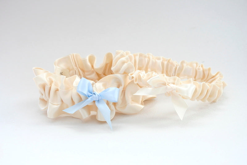 simple-wedding-garter-set-The-Garter-Girl