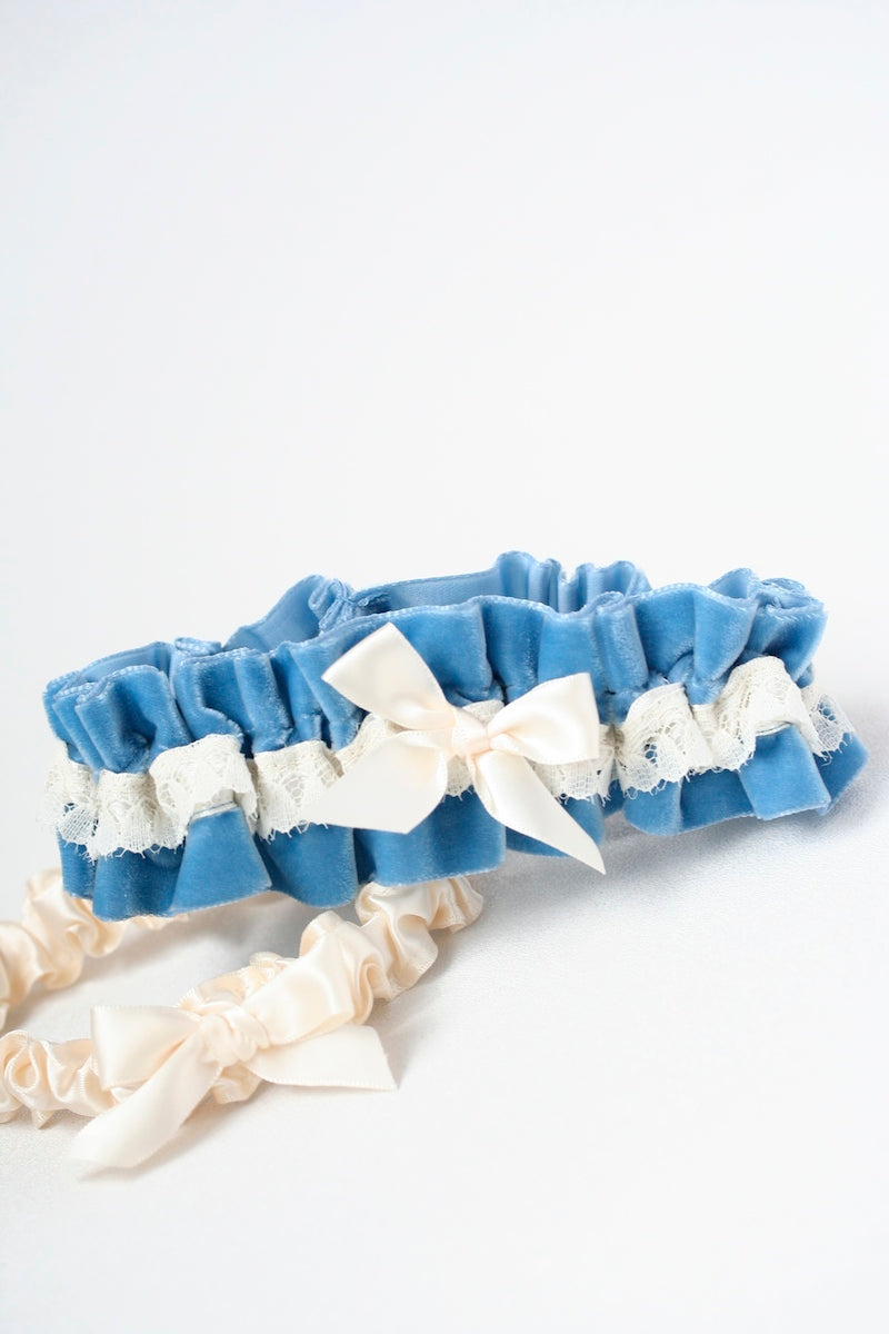 something-blue-velvet-wedding-garter-The-Garter-Girl-7