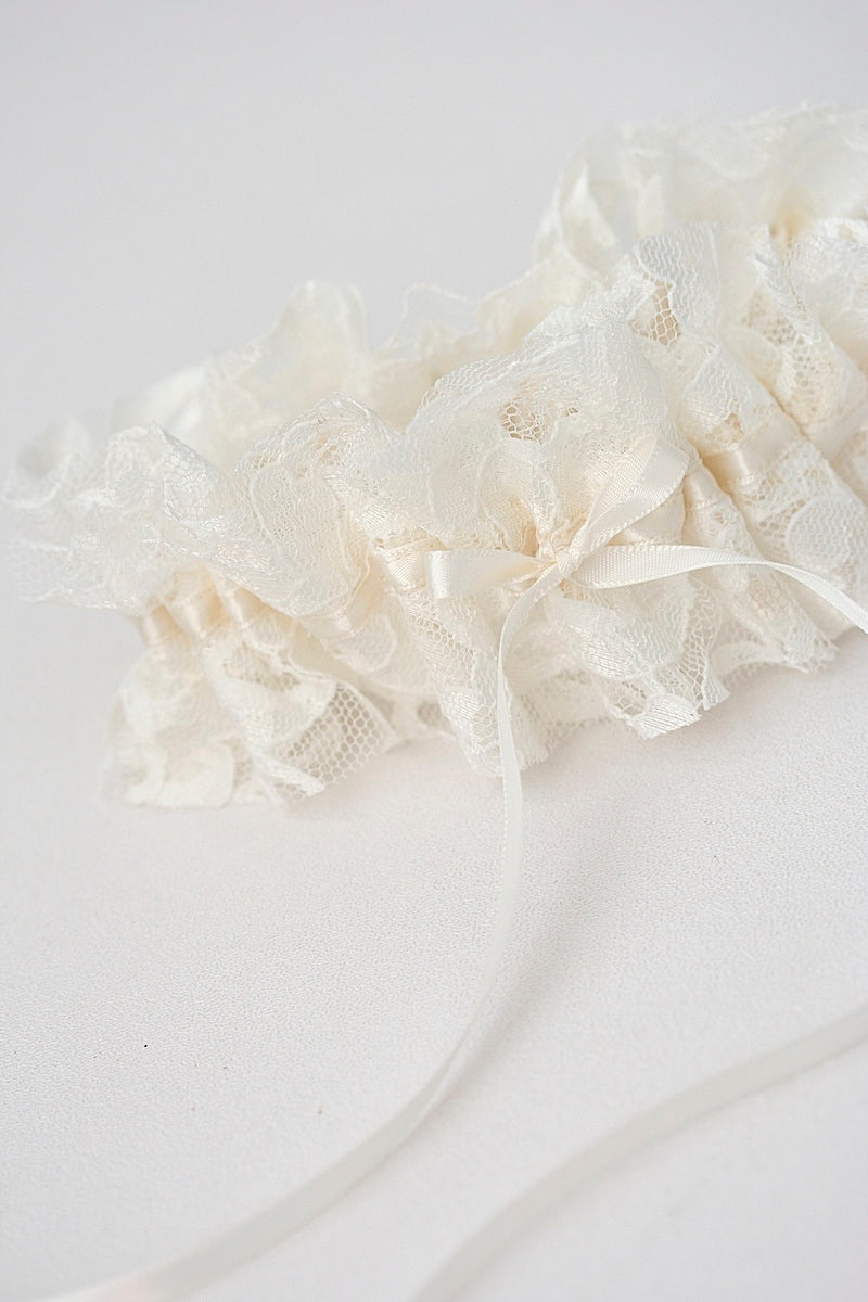 vintage-dress-lace-wedding-garter-the-garter-girl