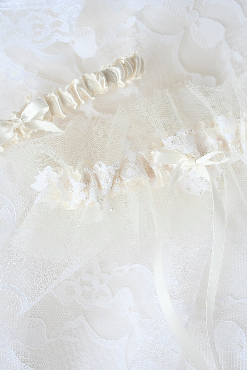 lace  wedding garter made from mothers wedding dress