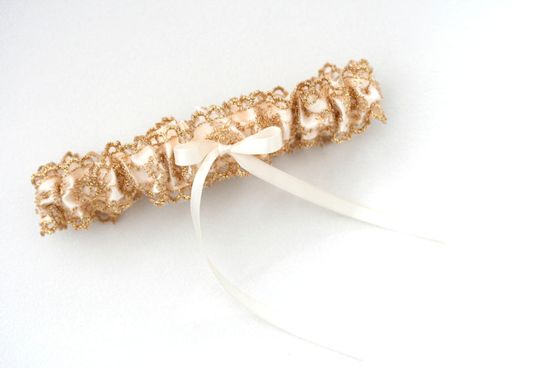 wedding-garter-gold-The-Garter-Girl