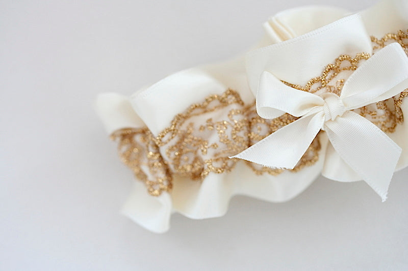 wedding-garter-gold-lace-The-Garter-Girl