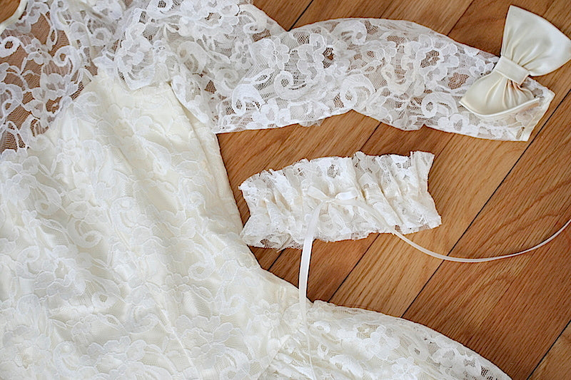 wedding-garter-heirloom-lacethe-garter-girl