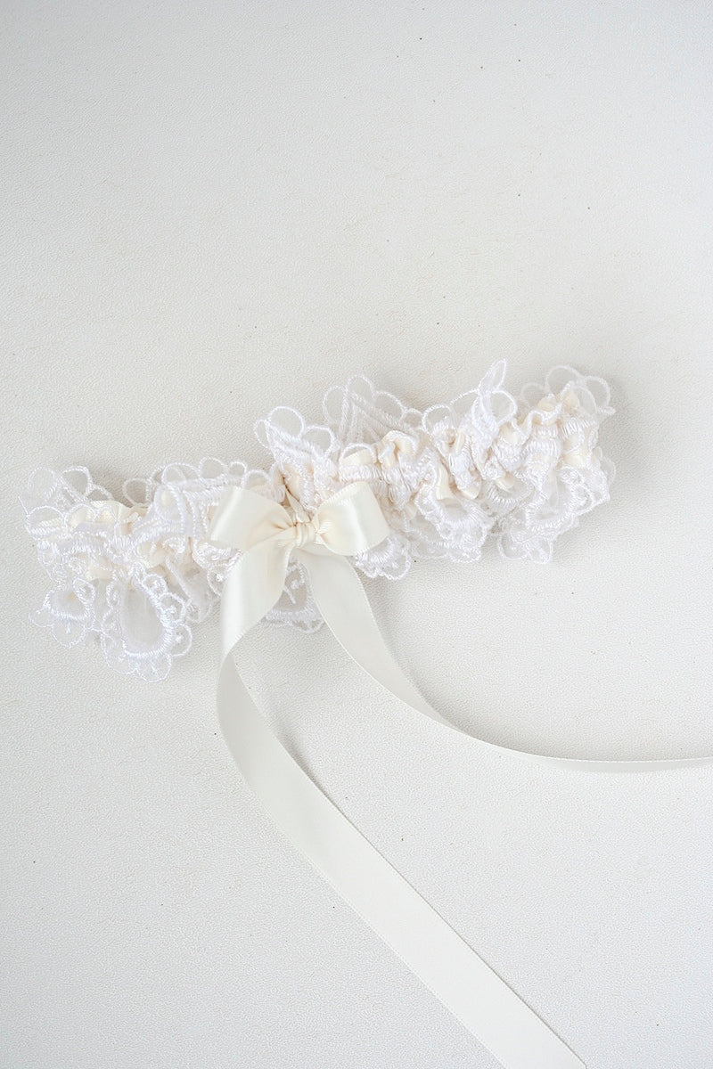 ivory lace wedding garter for bride