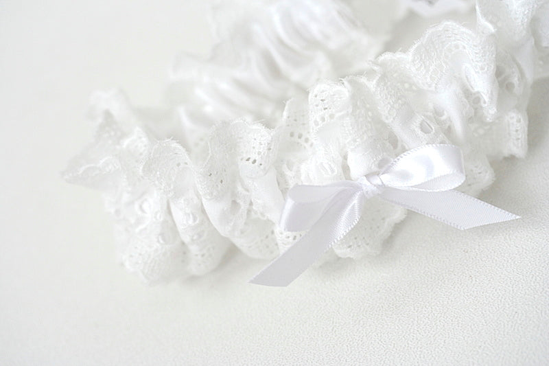white-eyelet-lace-custom-wedding-garter-the-garter-girl-1