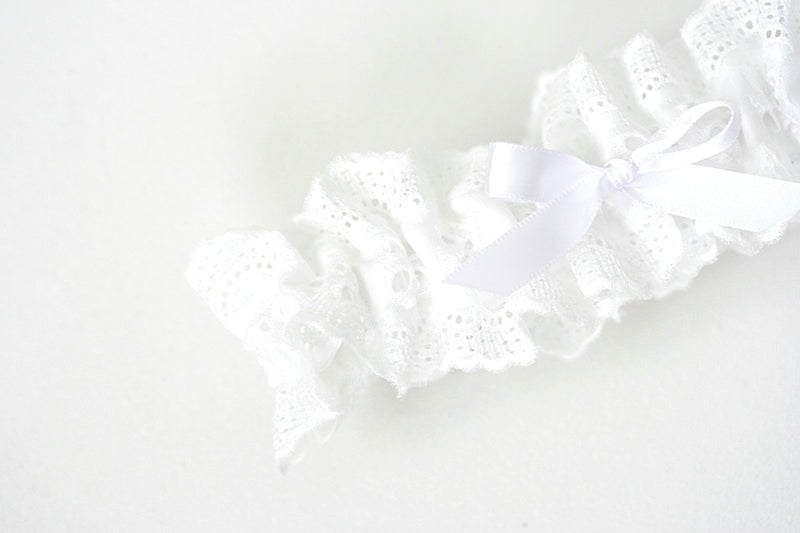 white-eyelet-lace-custom-wedding-garter-the-garter-girl-2