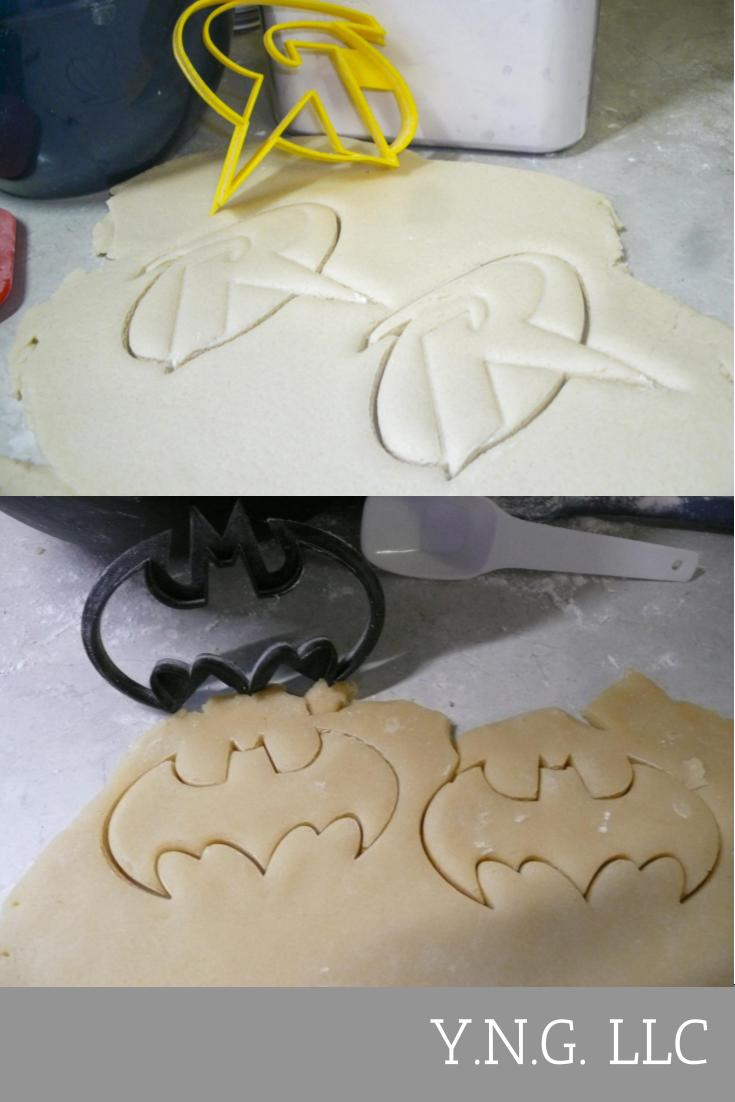 Batman And Robin DC Comics Superheroes Set Of 2 Cookie Cutters USA PR1104