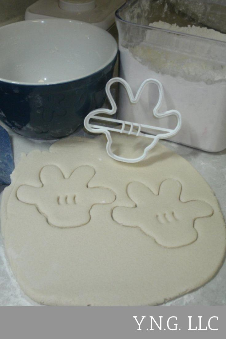 Mickey Mouse Glove Disney Special Occasion Cookie Cutter Made in USA PR471