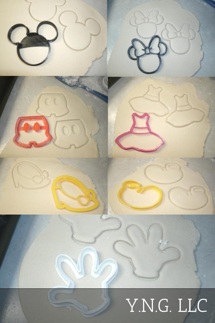 Mickey Mouse & Minnie Mouse Walt Disney Character Outfits Clothes Set of 7 Special Occasion Cookie Cutters Baking Tool Made in USA PR577