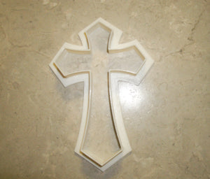 "Pointed Passion Cross Church Special Occasion Fondant Stamp Cutter or Cupcake Topper Size 1.75"" Made in USA FD469"