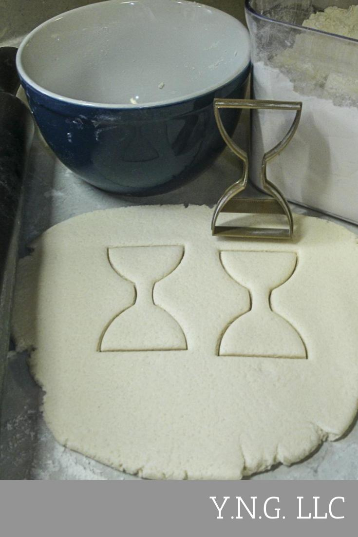 Hourglass Sandglass Sand Timer Clock Measure Special Occasion Cookie Cutter Baking Tool Made in USA PR856
