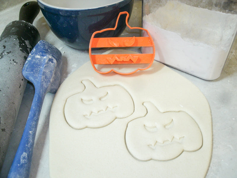 Trick Or Treat Halloween Frankenstein Pumpkin Set Of 3 Cookie Cutters USA PR1096