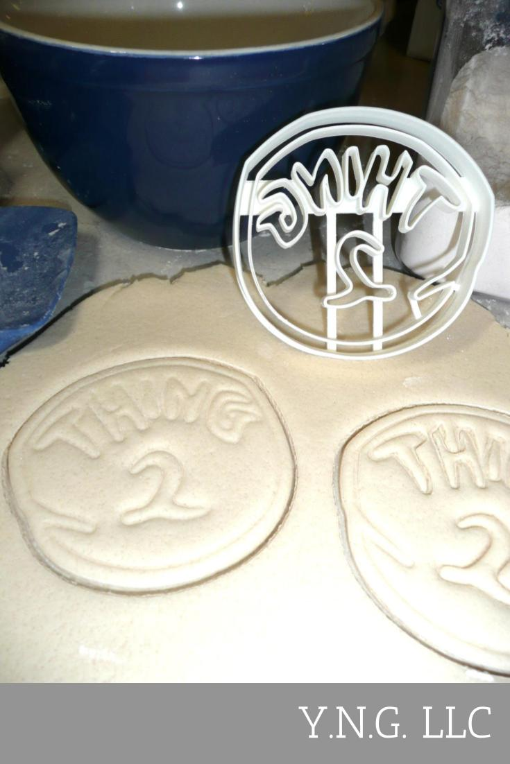 Thing 1 And 2 Cat In The Hat Dr. Seuss Twins Set Of 2 Cookie Cutters USA PR1160