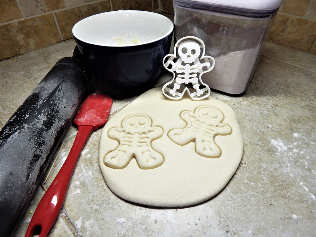 Gingerbread Skeleton Man Body Bone Bones Halloween Party Treat Snack Scary Voo Doo Doll Holiday Cookie Cutter Baking Tool Made In USA PR113