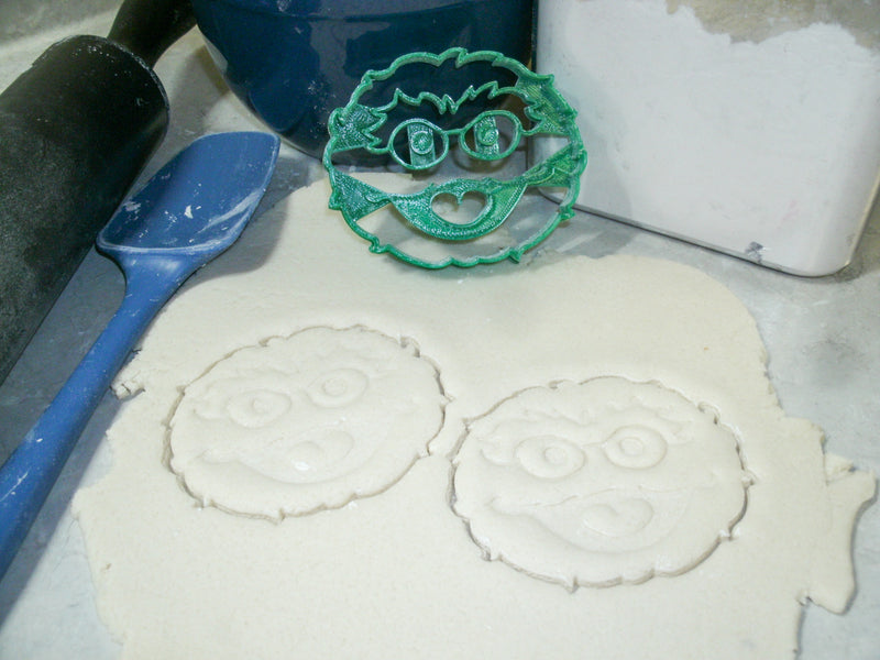 Oscar The Grouch Face Sesame Street Muppet Character Loves Trash Kids Tv Show Special Occasion Cookie Cutter Baking Tool Made In Usa Pr2247