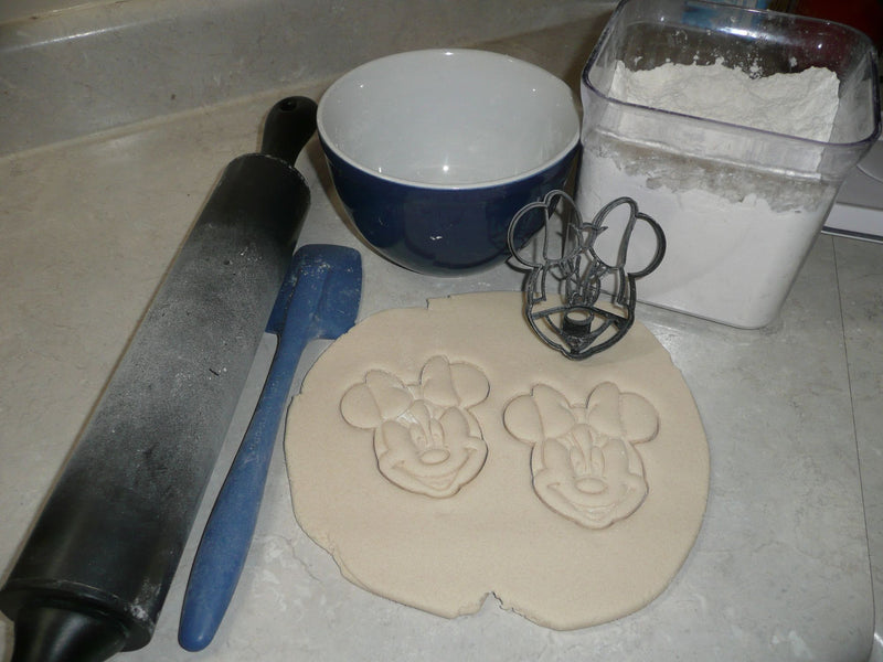 Minnie Mouse With Bow Detailed Face Cartoon Character Cookie Cutter USA PR3025