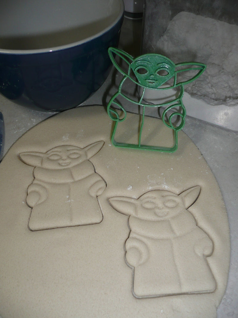 Baby Yoda Adorable Green Space Child Star Wars Cookie Cutter USA PR3321