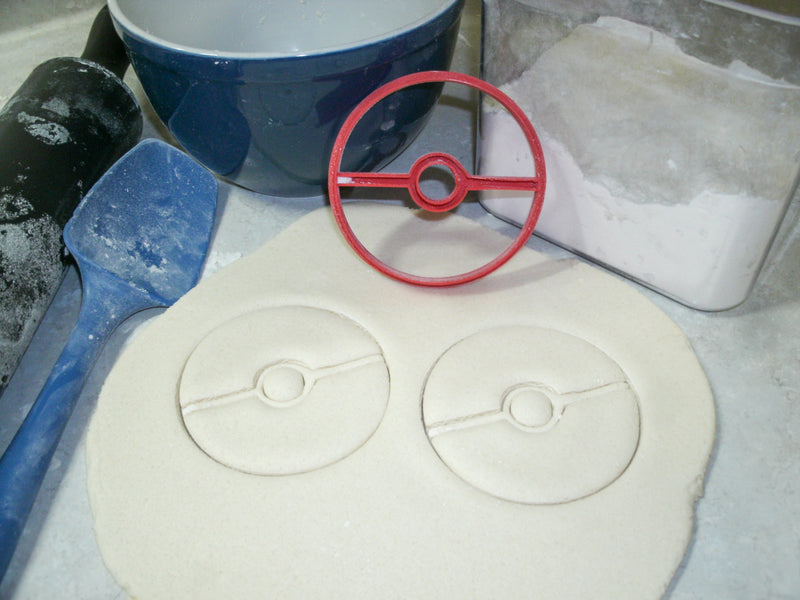 Pikachu Pokemon Kit With Pokeball Set Of 4 Cookie Cutters USA PR1100