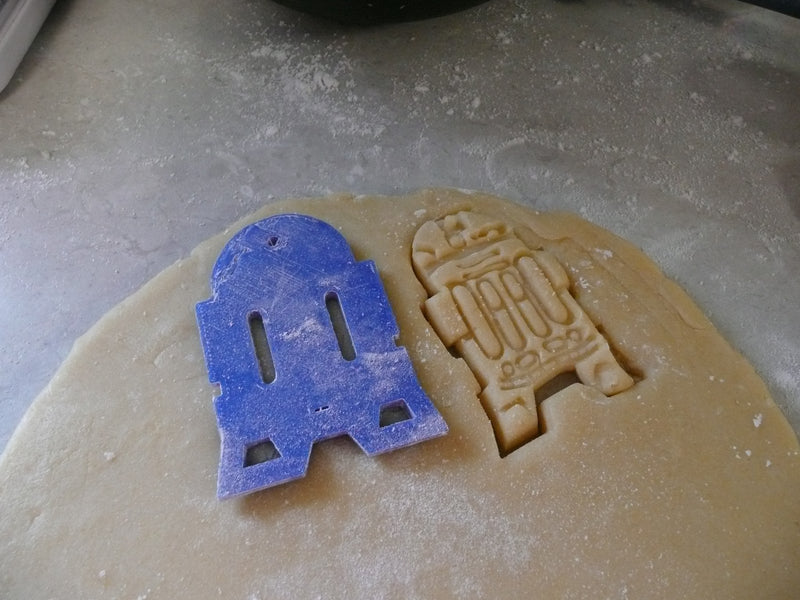 R2D2 Robot Droid Star Wars Character Special Occasion Cookie Cutter Baking Tool Made in USA PR451