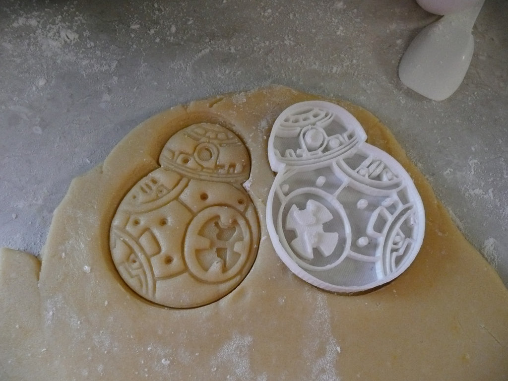 Star Wars BB8 Robot Droid Special Occasion Cookie Cutter Baking Tool Made in USA PR462