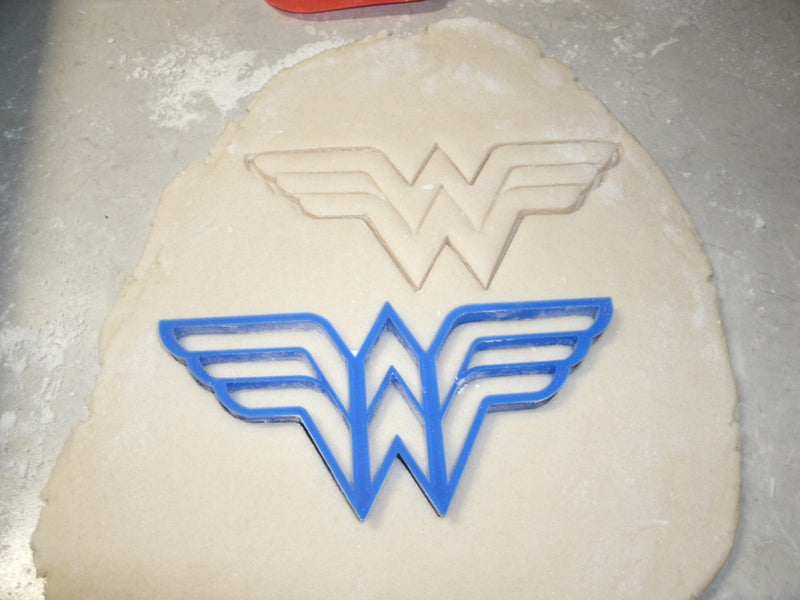 Justice League Superheroes DC Comics Movie Batman Superman Wonder Woman Aquaman Set of 4 Special Occasion Cookie Cutter Cake Baking Tool 3D Printed -Made in USA PR1000