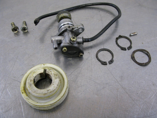 Derbi GP1 50 Predator 01 Scooter Oil Injection Pump Factory OEM 2001