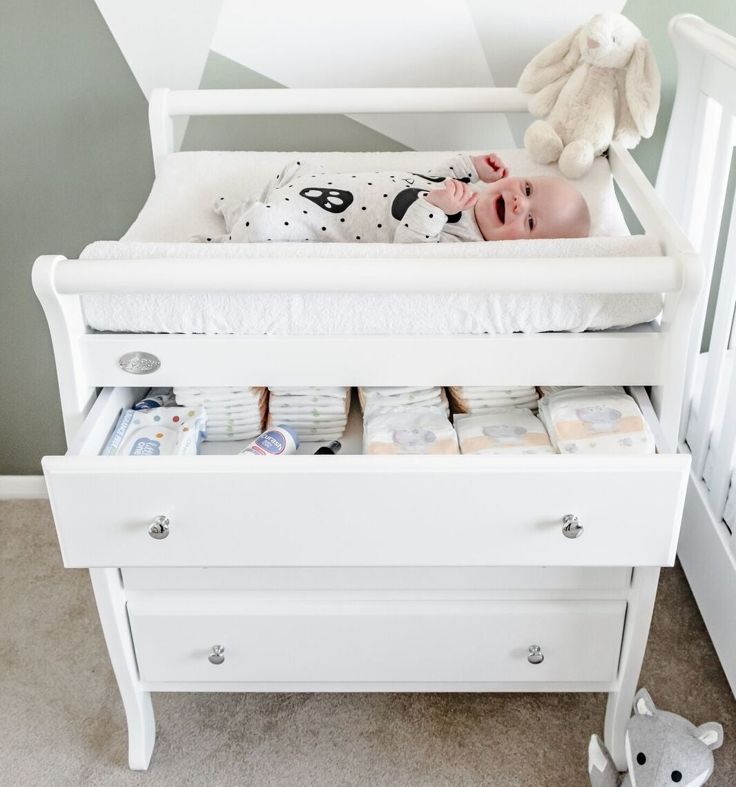 Baby on 3 Drawer Change Table