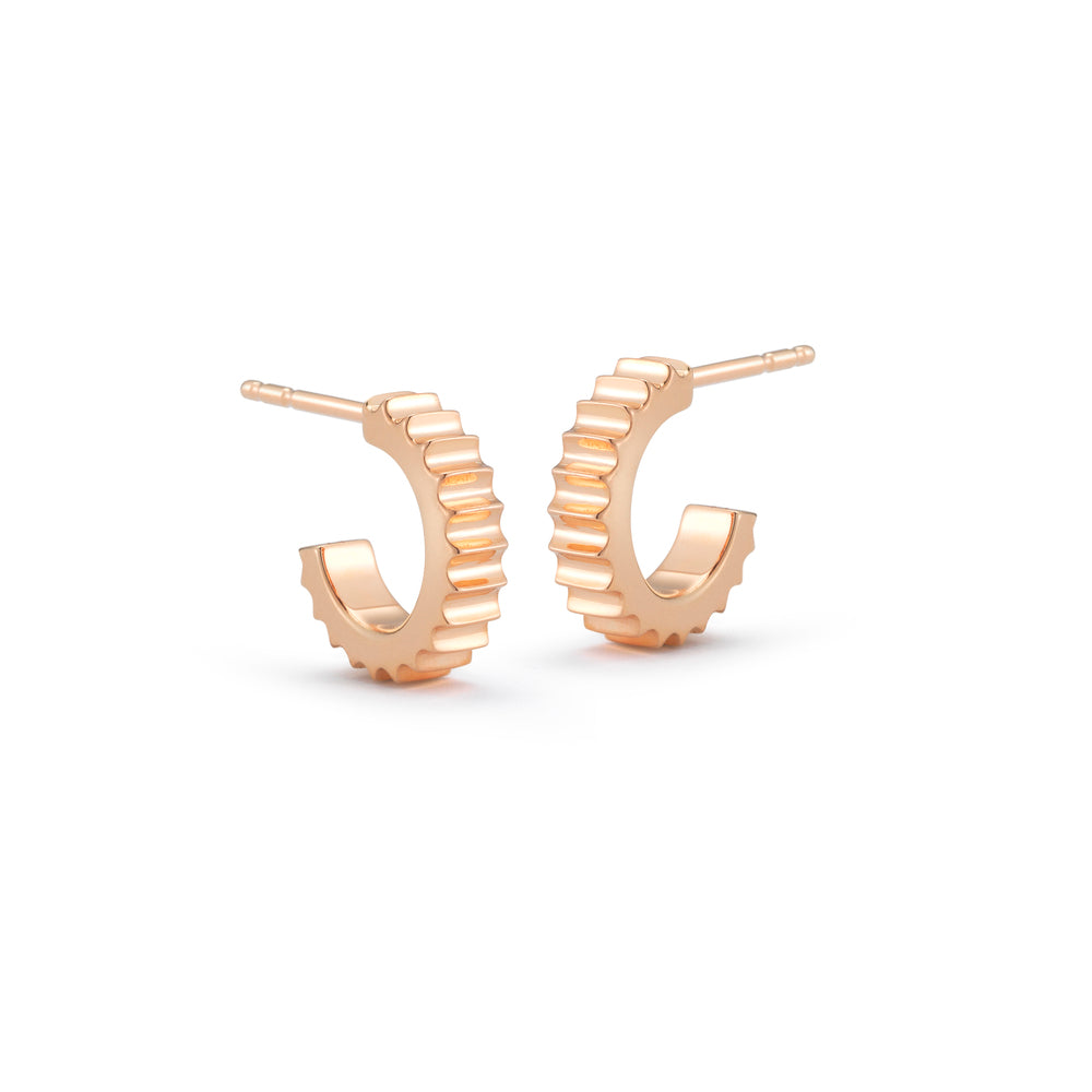CLIVE 18K FLUTED HUGGIE EARRINGS