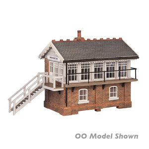Bachmann 42-0060 March West Signal Box