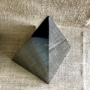 High Shungite Pyramid, 100mm Base (4 Inches Square), EMF Protection - A Real Stunner - Shungite Queen