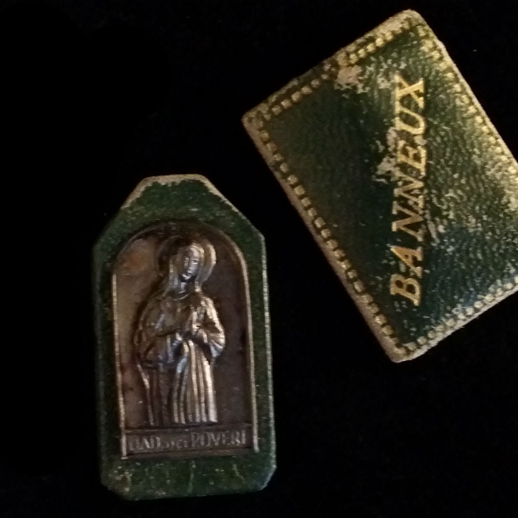 Madonna Virgin of the Poor Pocket Shrine - The Vintage Catholic