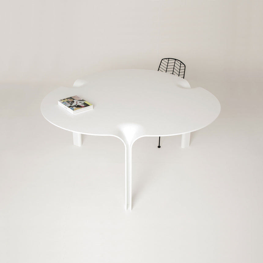 Kuroba Dining Table