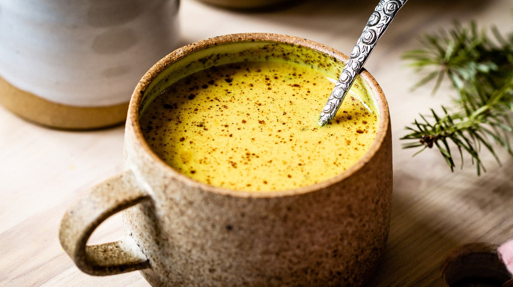 Golden Turmeric Latte for Sleep
