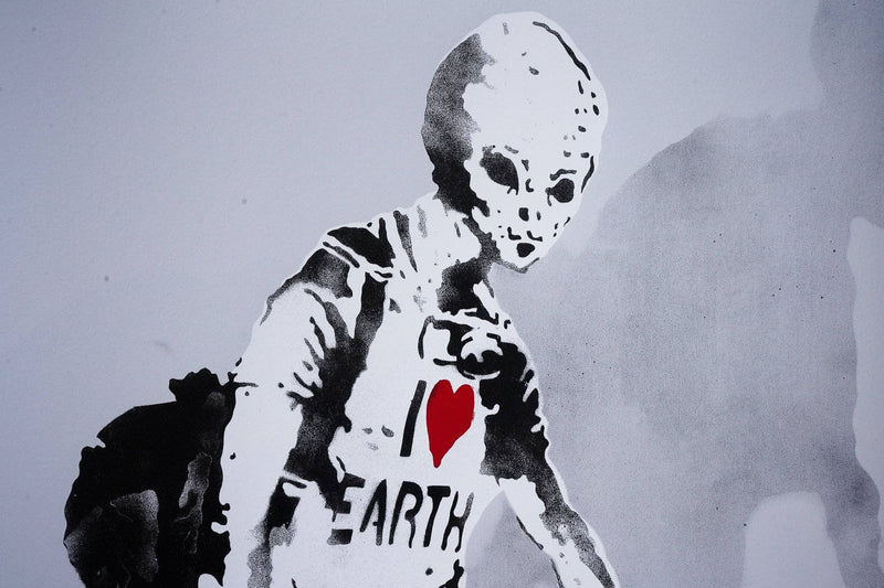 Graffik Gallery Loretto - Alien with Shopping bags