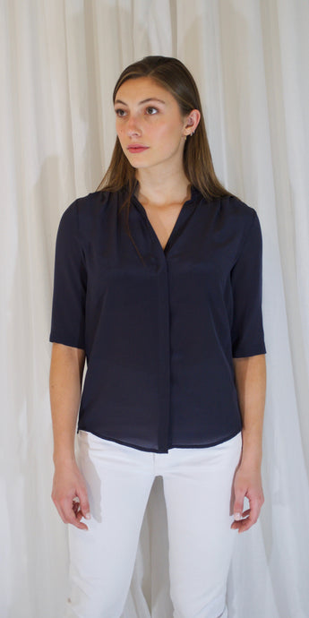 Edie Silk 3/4 Sleeve Shirt in Navy