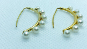 Side Pearl Earrings