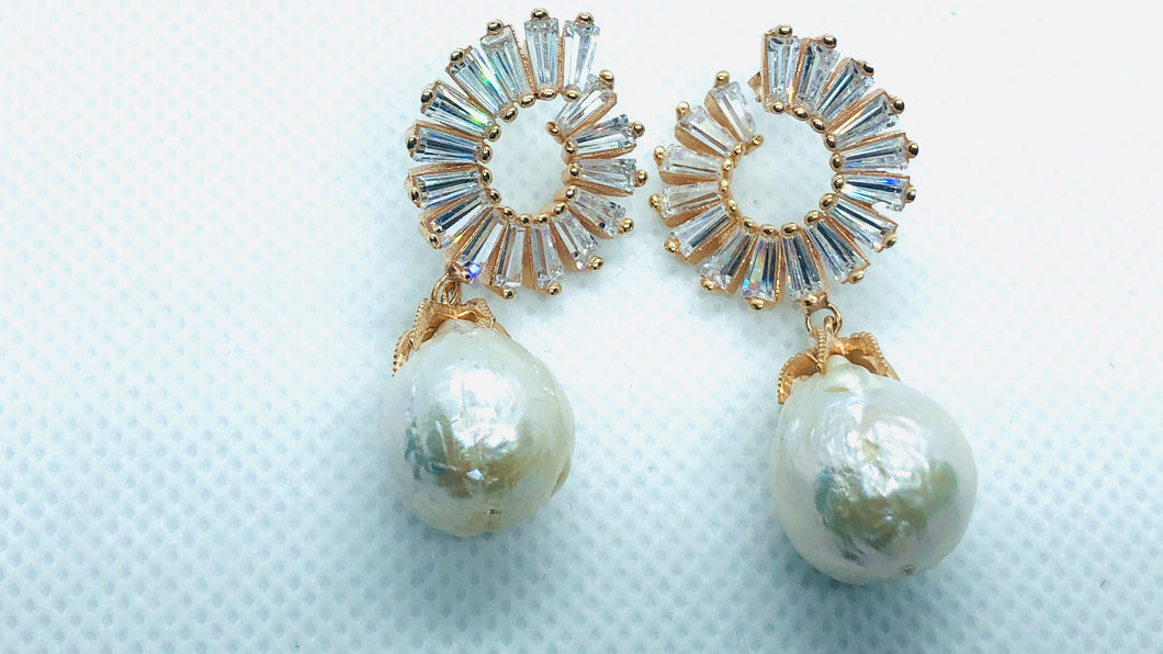 Beryllonite Pearl Earrings