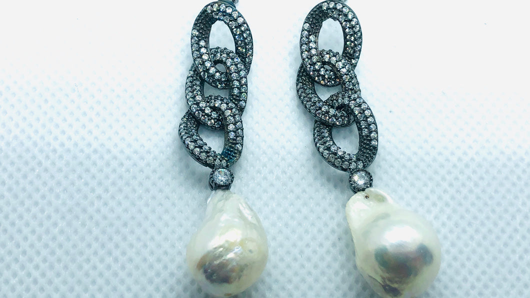 Silver Black Loop Pearls