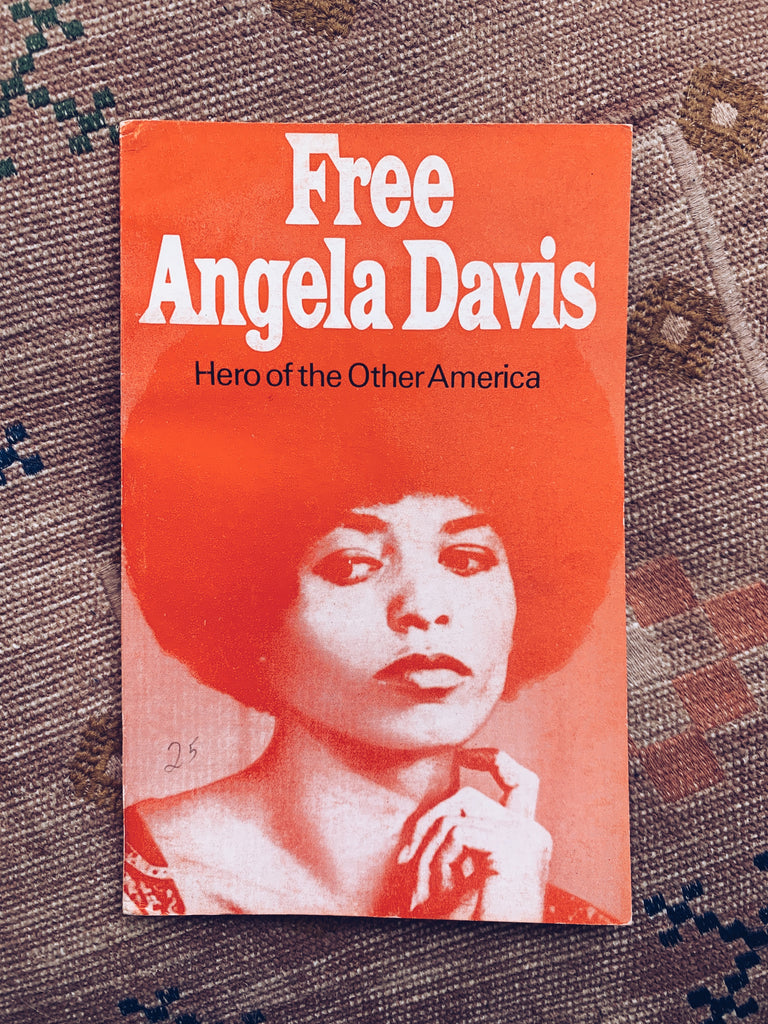 "Vintage Softcover ""Free Angela Davis: Hero of the Other America"" by Klein Steiniger (Germany, 1972)"
