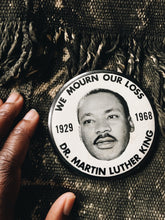 Vintage 1968 XL Dr. Martin Luther King Pinback Button