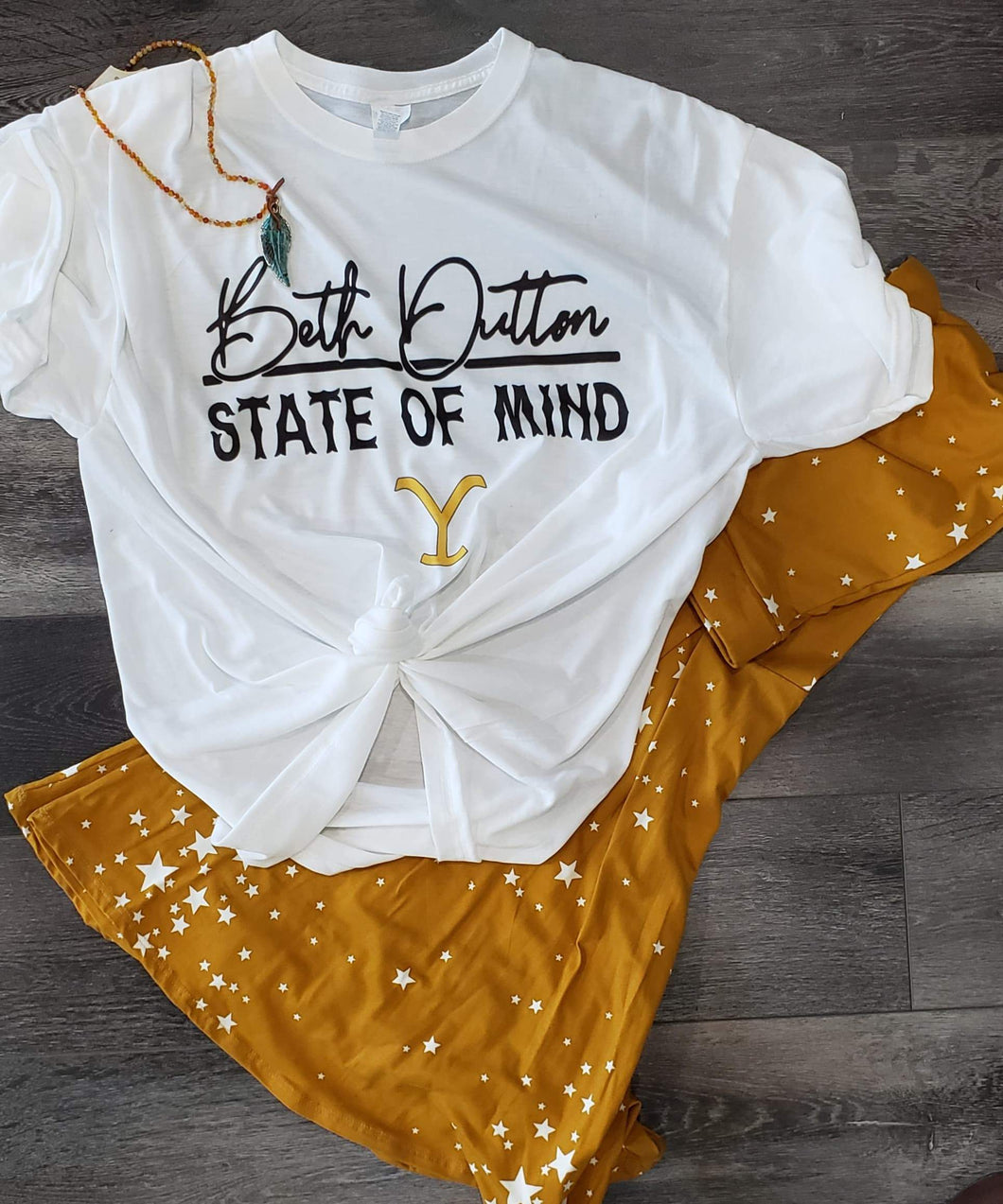 Graphic T-Shirt Short Sleeve Beth Dutton State of Mind