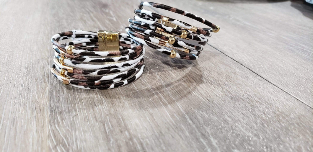 Jewelry White leopard magnetic bracelet