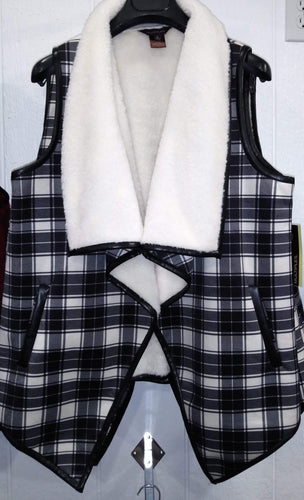 Vest White and Black Plaid Fleece
