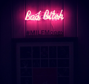 Bad B*tch Neon Sign - Tapestry Girls