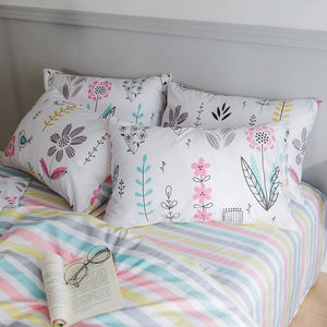 The Floral Meadow Bed Set - Tapestry Girls