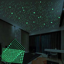 Load image into Gallery viewer, Green Glow Stars - Tapestry Girls