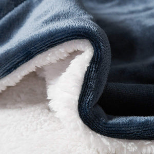 Navy Sherpa Fleece Blanket - Tapestry Girls